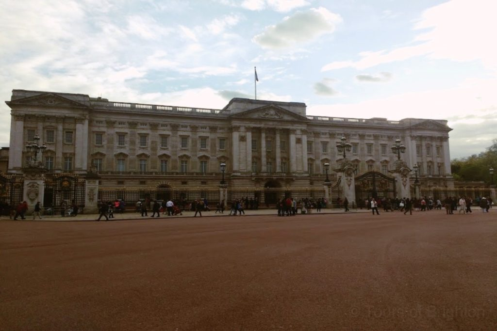 Buckingham Palace on the rancing tour
